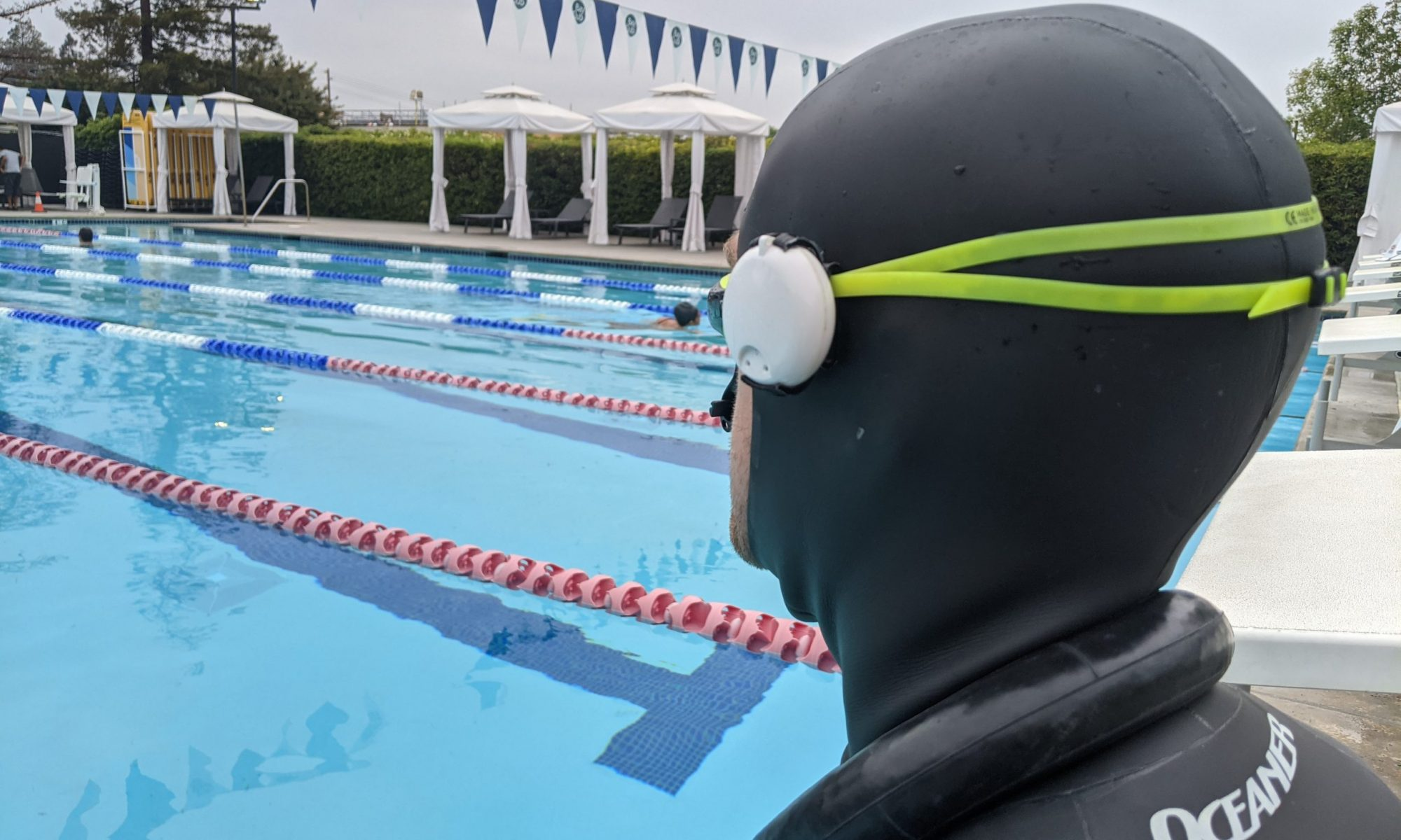 Freediving computer with depth alarms
